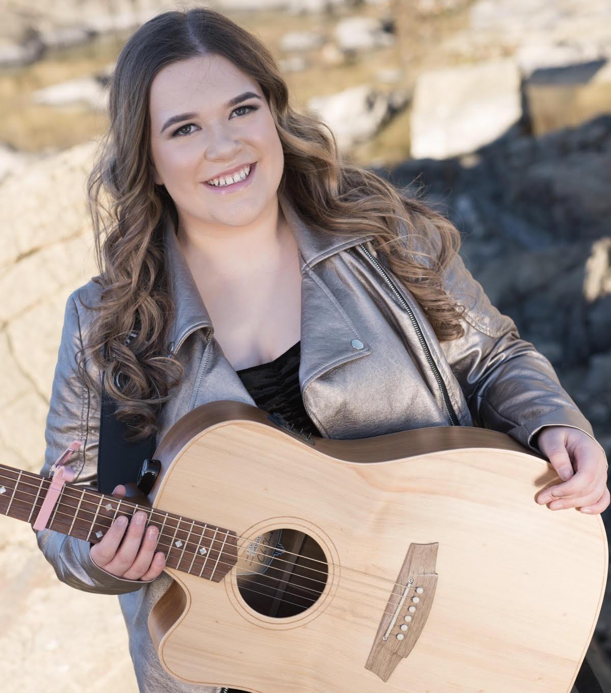 kayla singer smiling